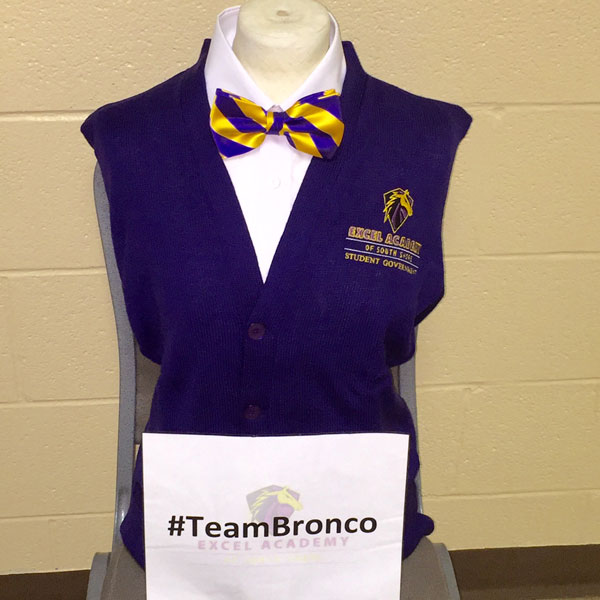 Bronco-Sweater-sign